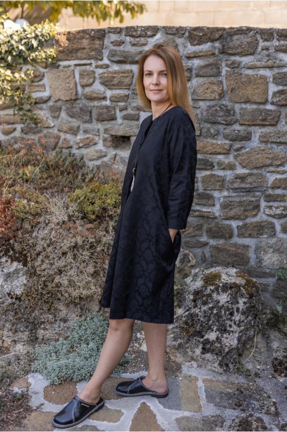 Brokát midi ruha